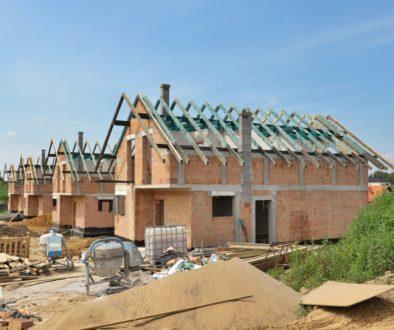 Budowa domów jednorodzinnych na sprzedaż .Budowa bloków mieszkalnych